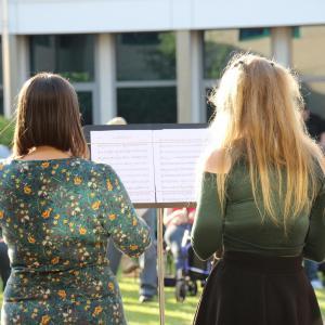 singers at Summer Extraganza